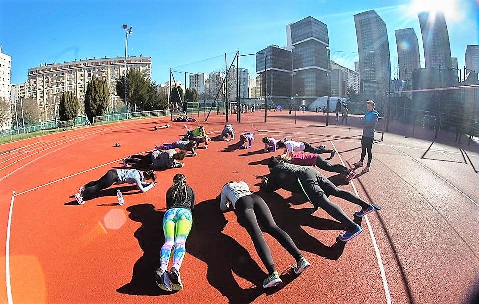 workout-sports-club-gainage-groupe