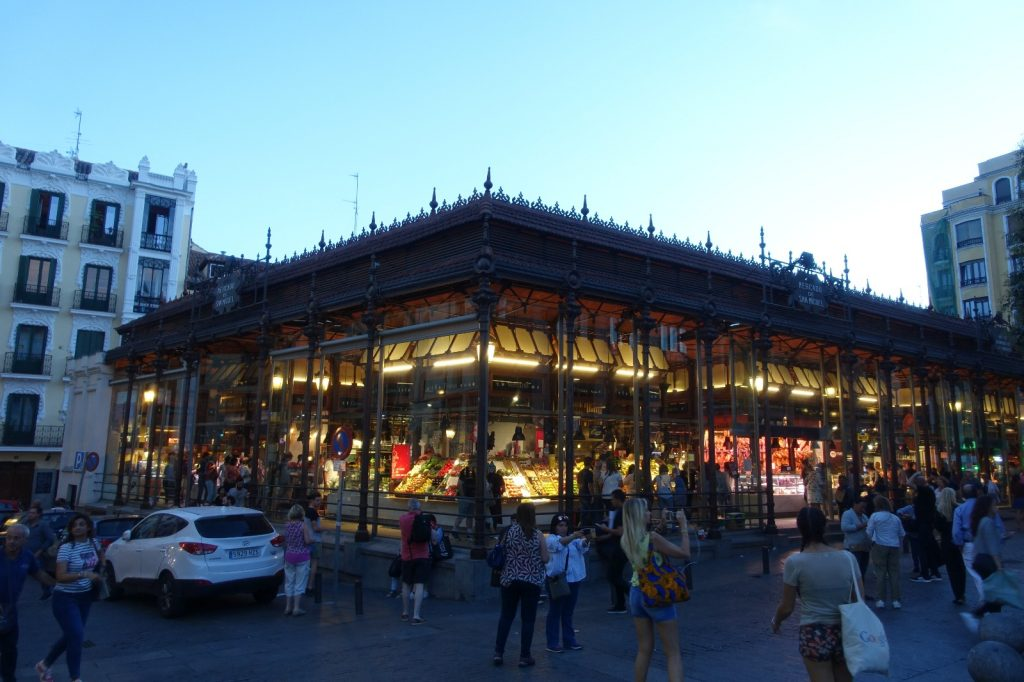 les-exploratrices-weekend-madrid-mercado-san-miguel-by-night