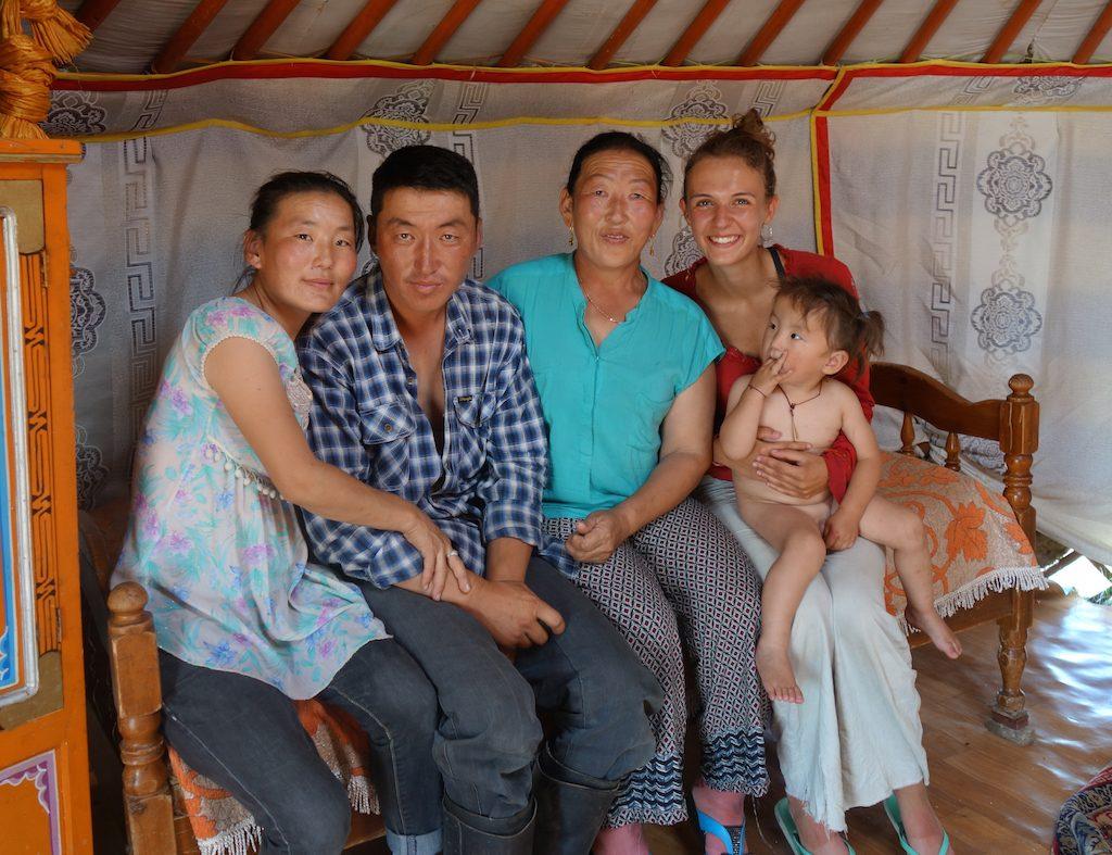 mongolie-famille-nomade