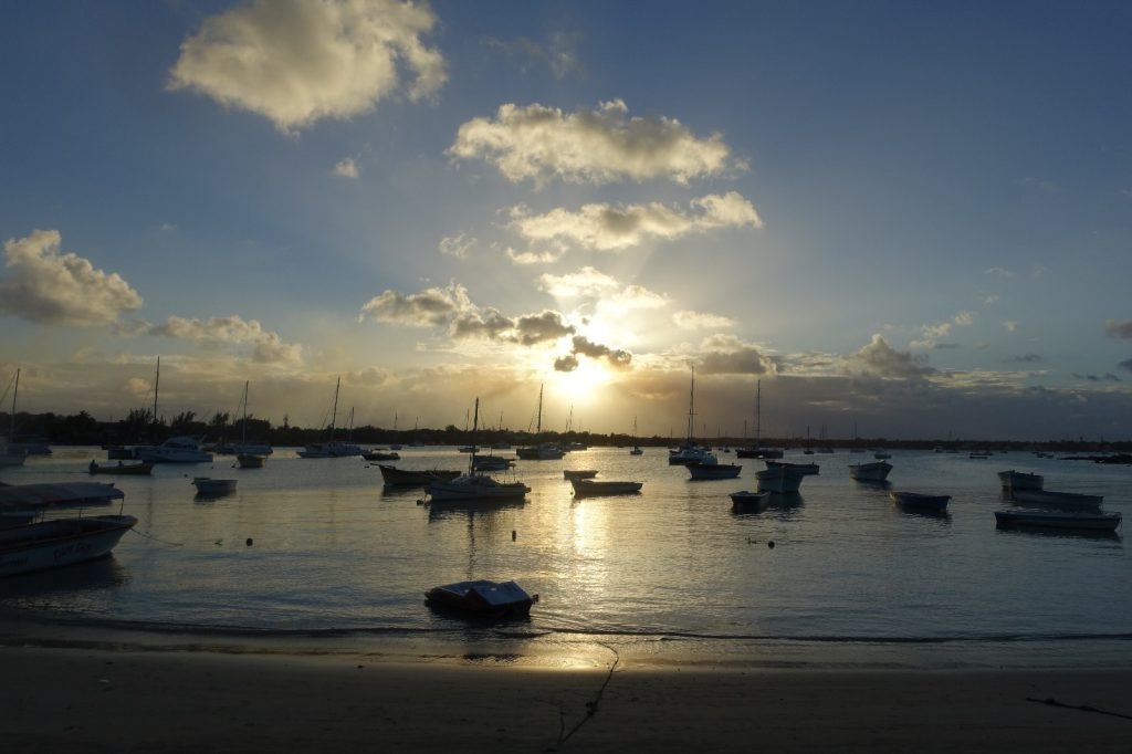 les-exploratrices-maurice-grand-baie-sunset
