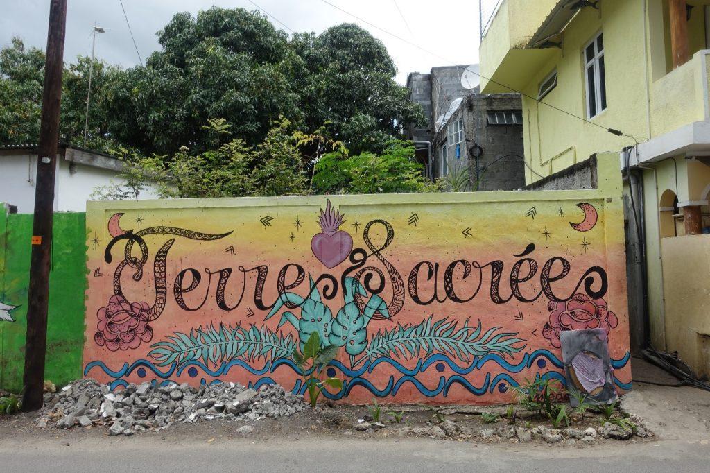 les-exploratrices-maurice-tamarin-streetart-terres-sacrees