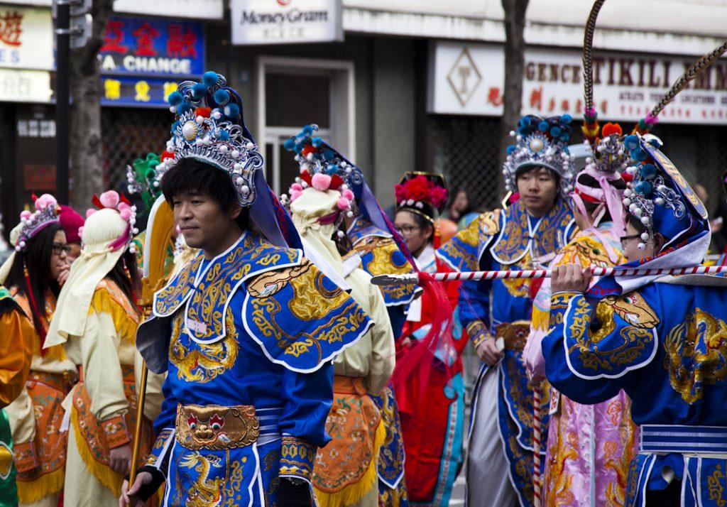 le-quartier-chinois-paris-les-danseurs