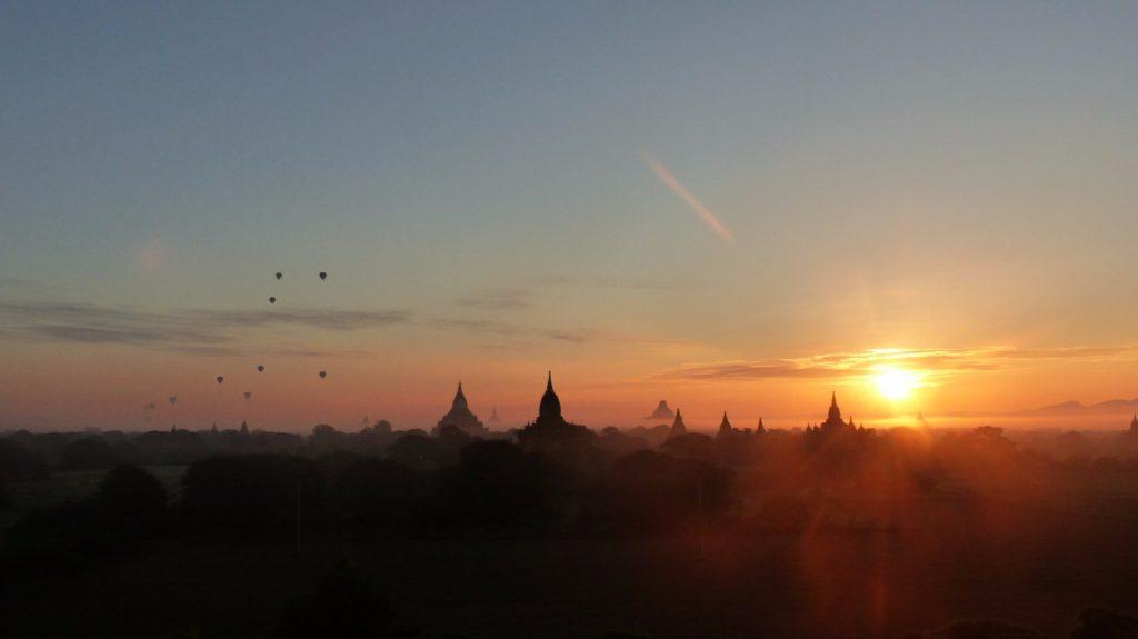 les-exploratrices-myanmar-bagan-lever-soleil