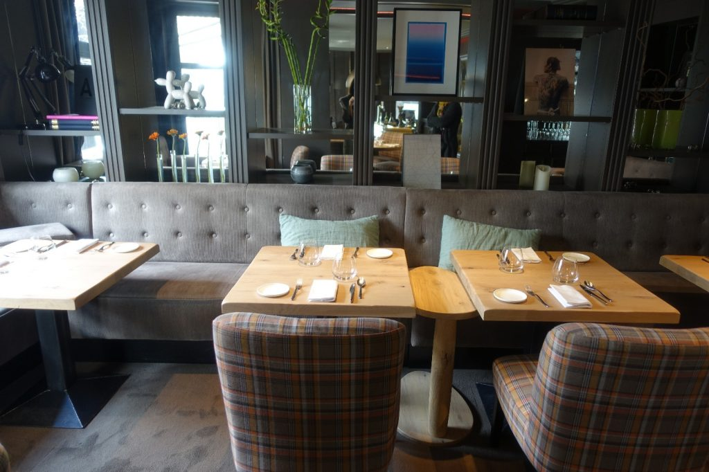 les-exploratrices-restaurant-etoile-92-lescargot1903-puteaux-interieur