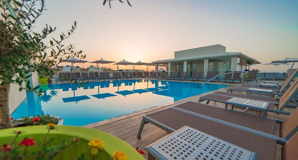 les-exploratrices-malte-piscine-hotel