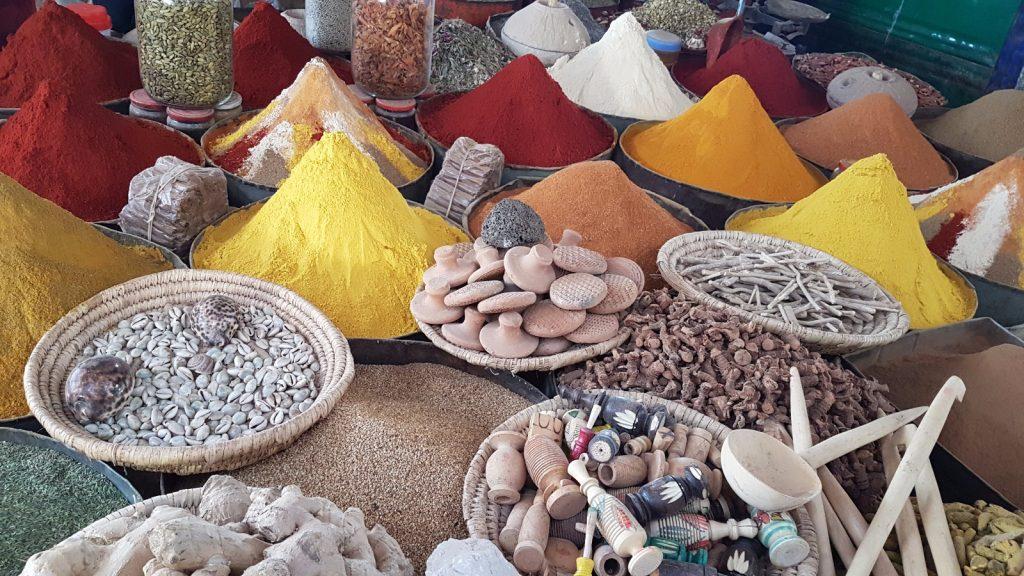 les-exploratrices-maroc-merzouga-souk-rissani