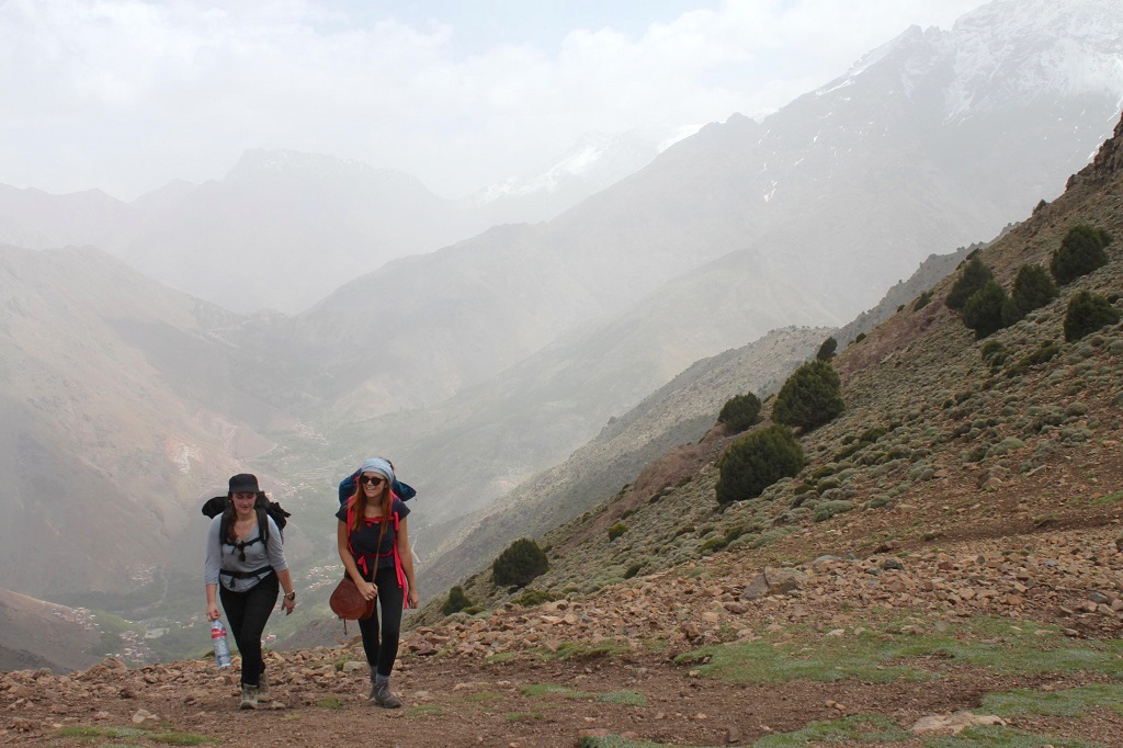 maroc-lily-les-exploratrices-randonnee-col-atlas