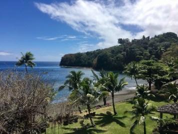 tahiti-pearl-beach-resort-hotel-plage-sable-noir