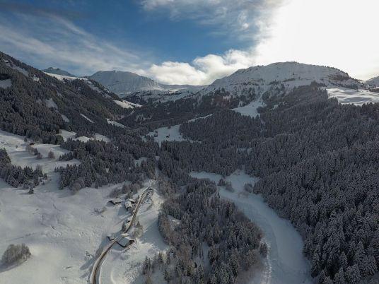 decouvrir-megeve-en-hiver-johanna-les-exploratrices-drone-le-refuge