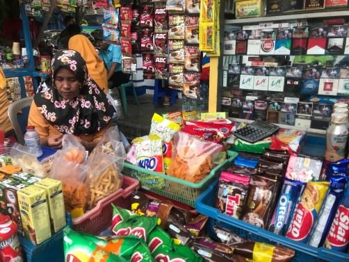 Vendeuse au port de Jepara