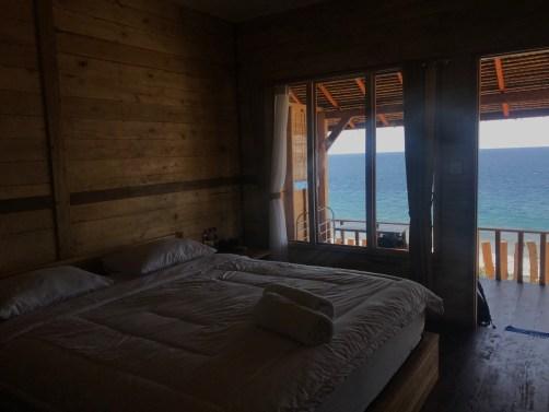 nusa-penida-bali-malibu-huts-chambre-terrasse