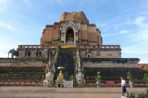 chiang-mai-Wat-Chedi-Luang-Worawihan-temple