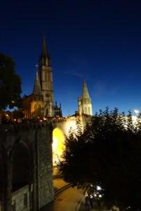que-faire-dans-le-bearn-pyrenees-lourdes-procession-nocturne