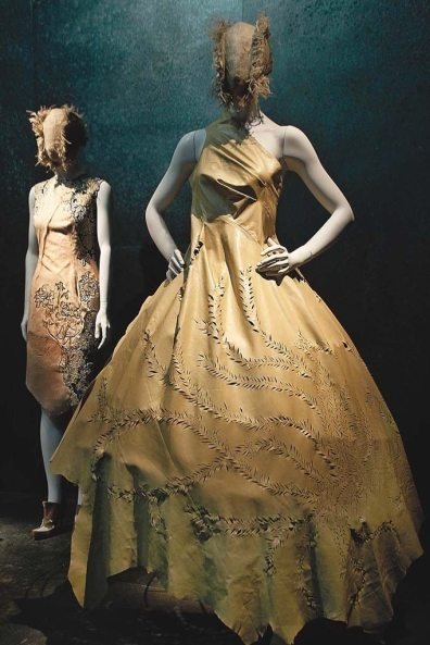 ALEXANDER MCQUEEN SAVAGE BEAUTY EXHIBIT 1