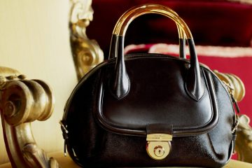 SALVATORE FERRAGAMO FIAMMA HANDBAG COLLECTION