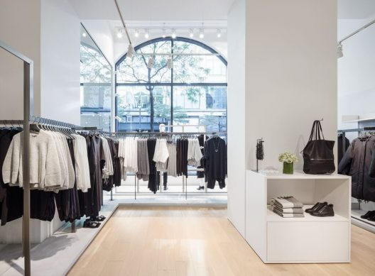 COS NEW BOUTIQUE IN MONTREAL