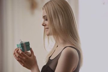 TIFFANY & CO. HOLIDAY 2016 FILM CAMPAIGN STARRING ELLE FANNING