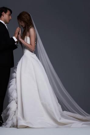 VERA WANG FALL 2017 BRIDAL COLLECTION