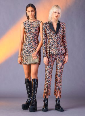 VERSACE PRE-FALL 2017 COLLECTION