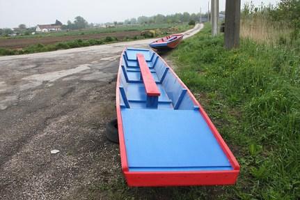 Rénovation d'un bateau de joutes