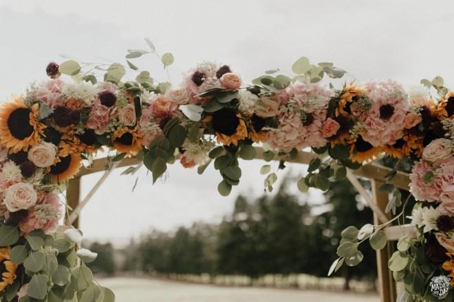 champetre-arche-fleurs-mariage