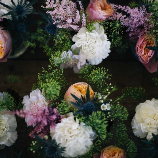 fond-fleuri-decoration-bouquet-mariage