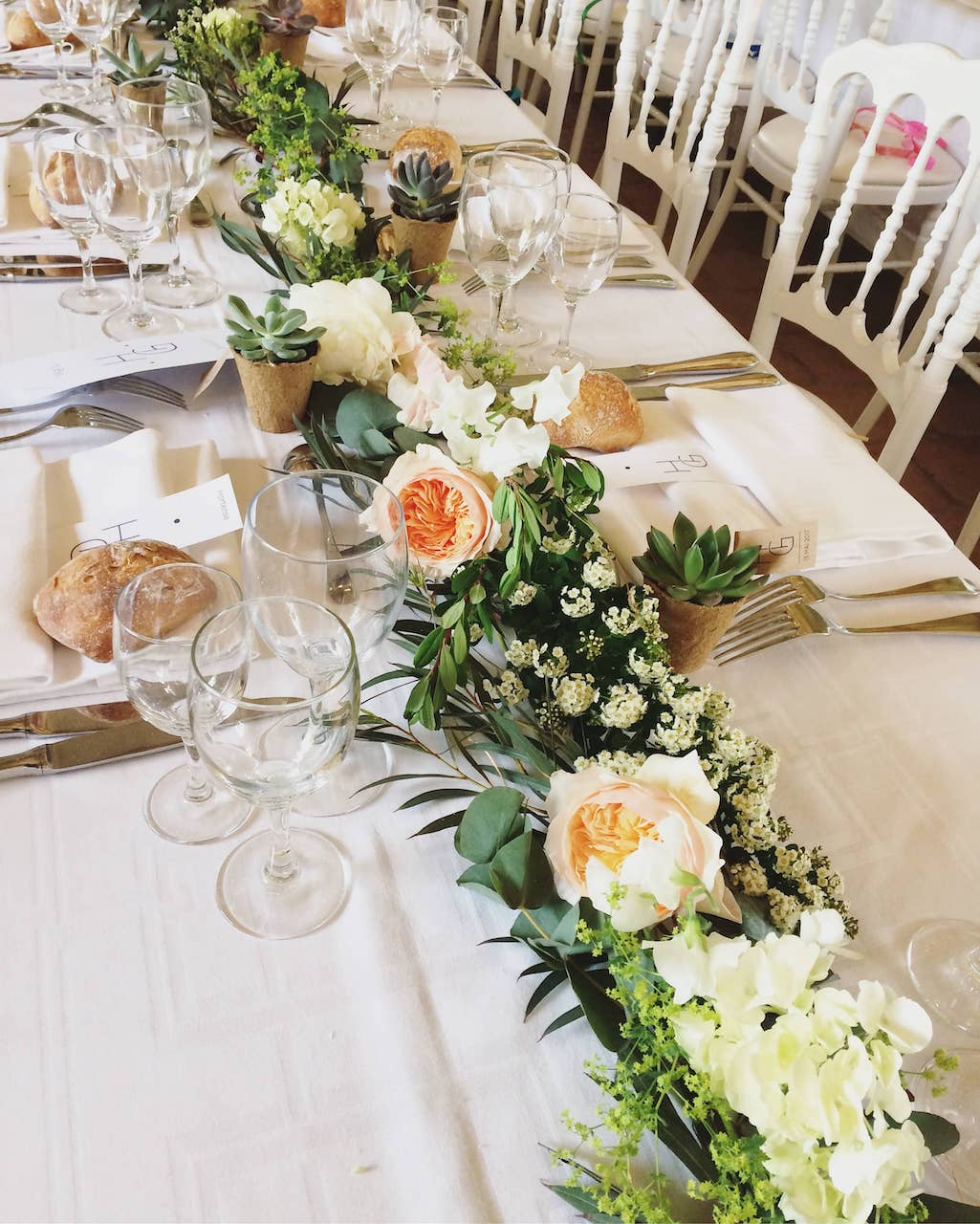 lieu-reception-chemin-table-champetre-mariage