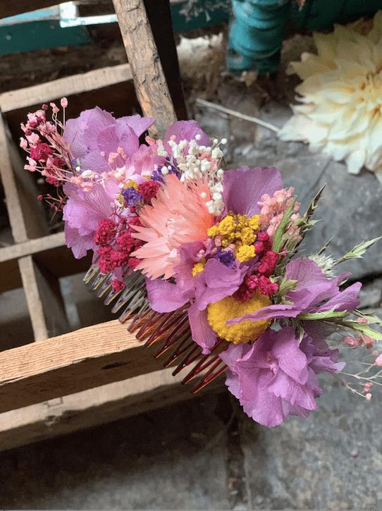 peigne-fleurs-mauve-sechees-stabilisees-mariage