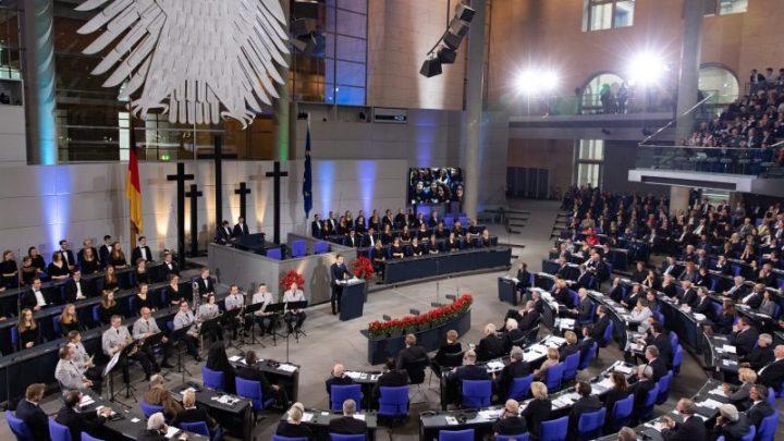Au Bundestag, le cri de désespoir de Macron pour réformer l'UE