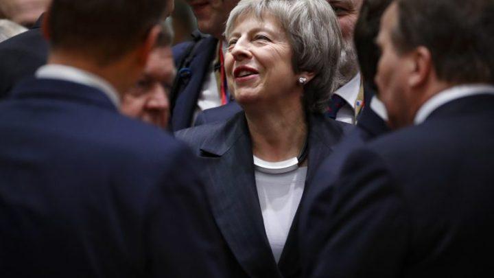 Tout sourire, l'UE ne cède rien à May