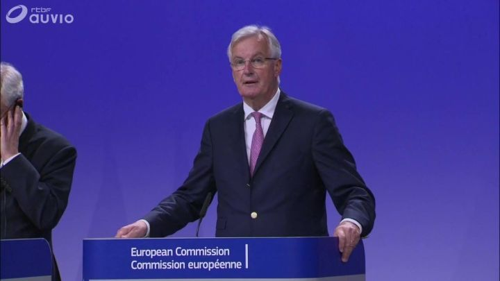 Barnier n'exclut pas un report de la date du Brexit