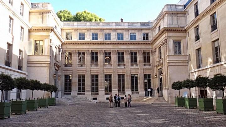 Enseignement français à l'étranger – Critiques de la CFDT