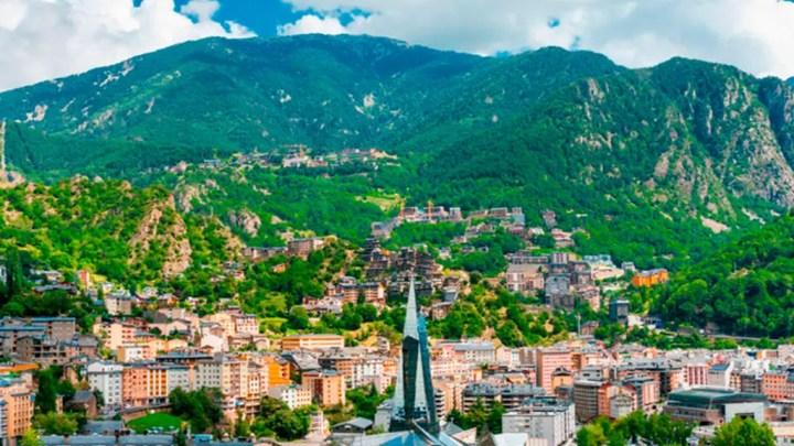 Visite du coprince Macron le 13 septembre en Andorre, désormais sans consulat…