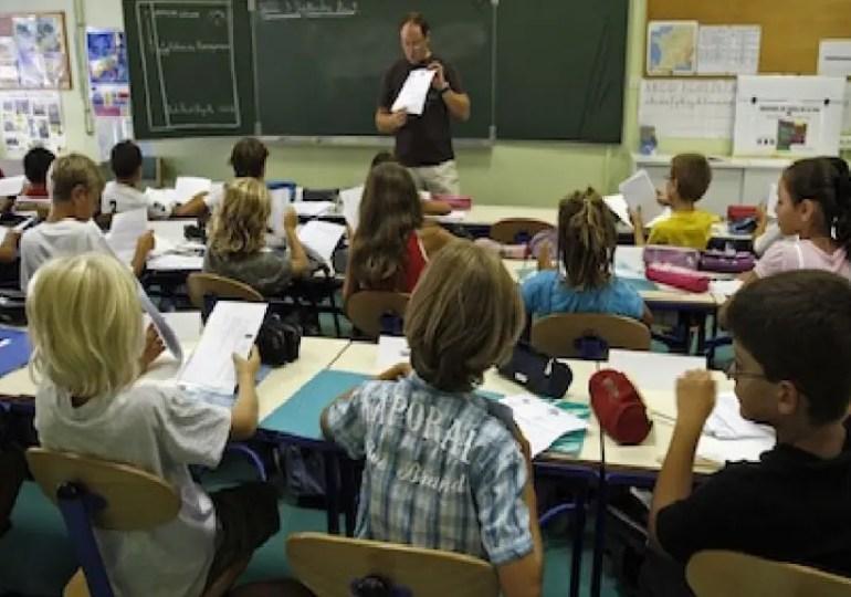 Le système éducatif français n'est ni le meilleur, ni le pire  du monde.