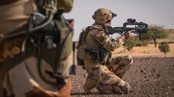 Le décès de militaires français au Mali souligne l'isolement de la France au Sahel