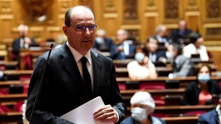«Nous envisagions l'entrée en vigueur de ces dispositions le 1er août. J'ai entendu et compris que cette échéance apparaissait tardive, le décret entrera donc en vigueur la semaine prochaine», a assuré le Premier ministre devant le Sénat.