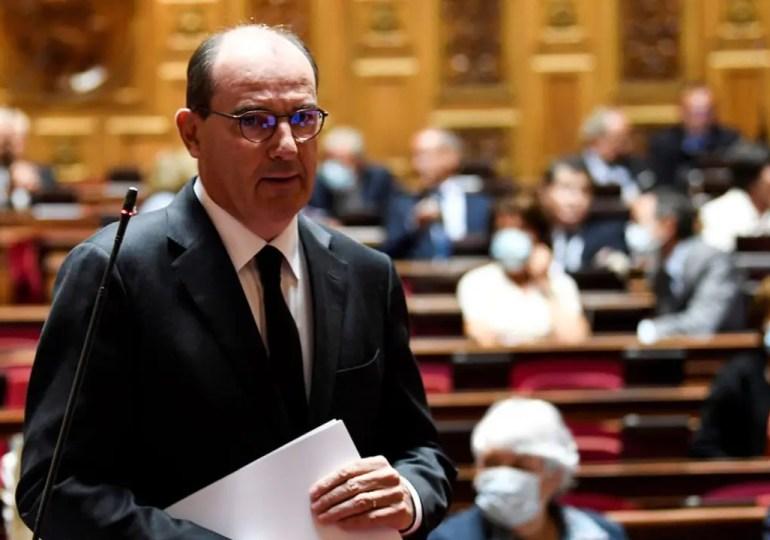 """""""Nous envisagions l'entrée en vigueur de ces dispositions le 1er août. J'ai entendu et compris que cette échéance apparaissait tardive, le décret entrera donc en vigueur la semaine prochaine"""", a assuré le Premier ministre devant le Sénat."""