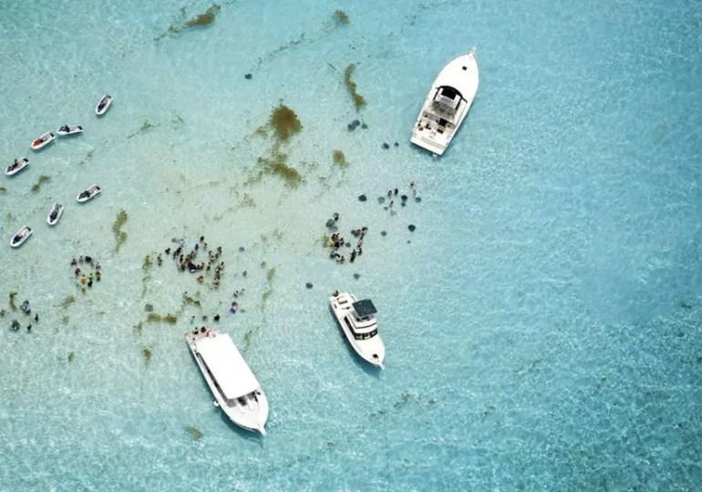 Le retrait des îles Caïmans de la liste noire européenne des paradis fiscaux fait des vagues