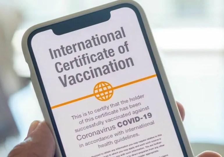 Certificat vaccinal numérique : la Grèce y croit, la France toujours réticente