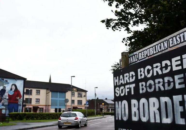 Brexit : levée de boucliers de l'UE après l'extension des délais de contrôles à la frontière nord-irlandaise