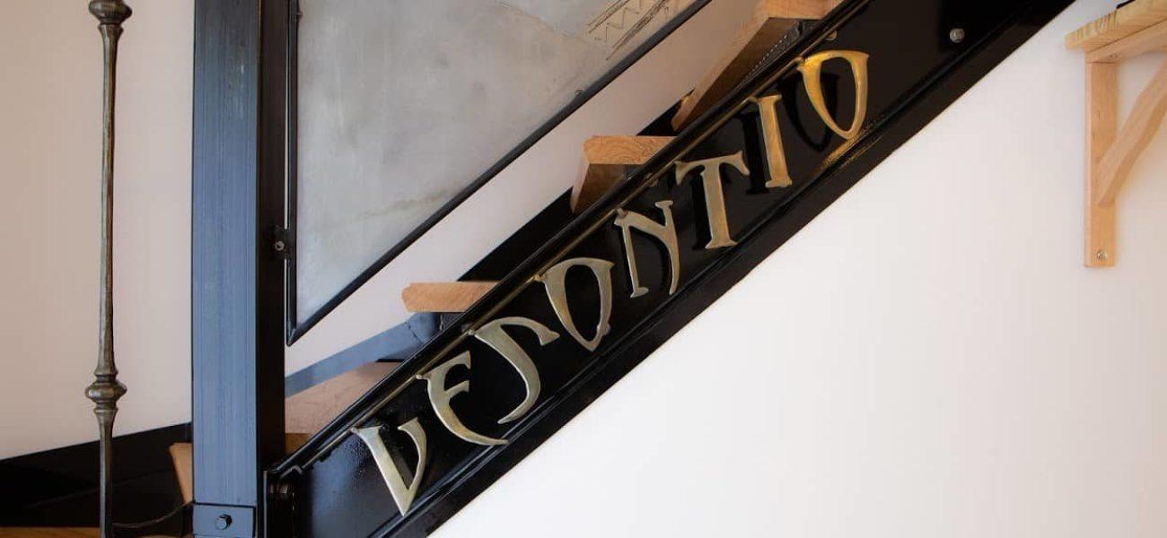 Besançon Gîte Vesontio Escalier