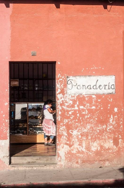 Entrée d'une boulangerie à Antigua