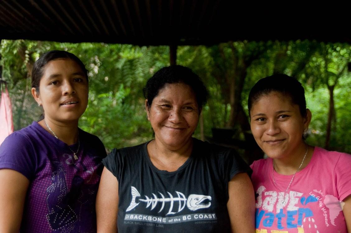 Nos trois hôtes