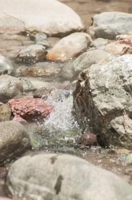 Source chaude canyon del colca perou