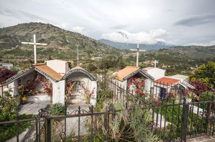 tombes enterrement yungay catastrophe