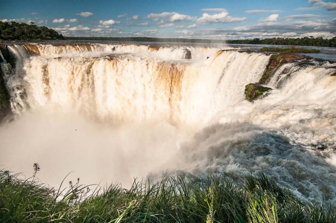 Iguazu garganta trou