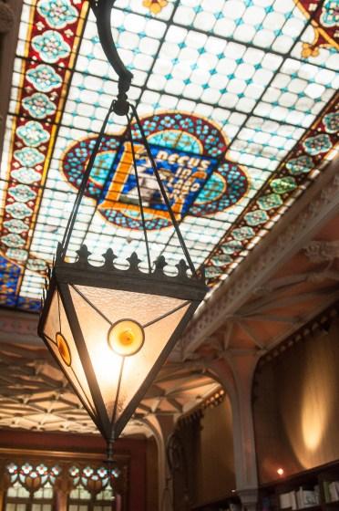 Porto librairie lello lanterne