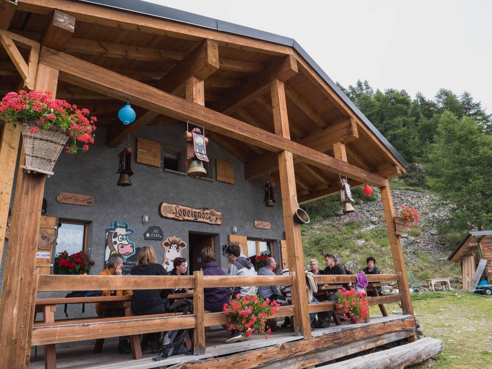 alpage loveignoz val d'herens suisse