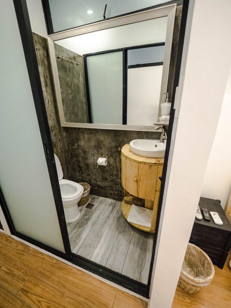 Tagaytay eco hotel toilettes