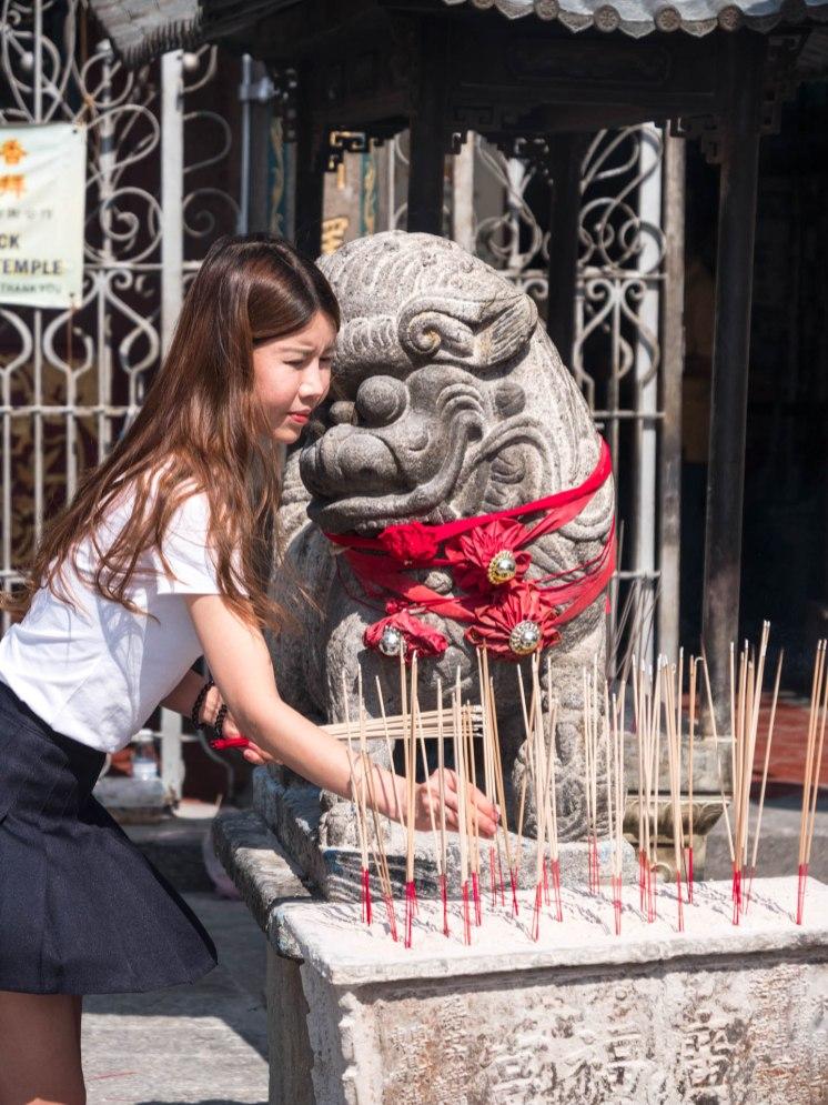 encens temple bouddhiste